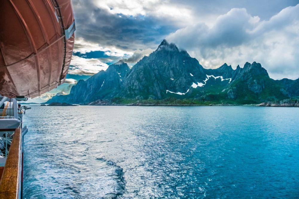 Hurtigruten vaart Noorwegen archipel